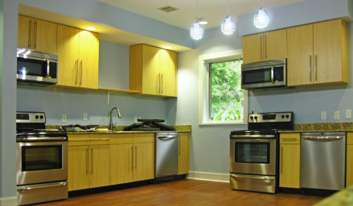 caring_house_durham_kitchen1_300dpi