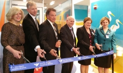 ynhh_pedi_mri_ribbon_cutting_300dpi